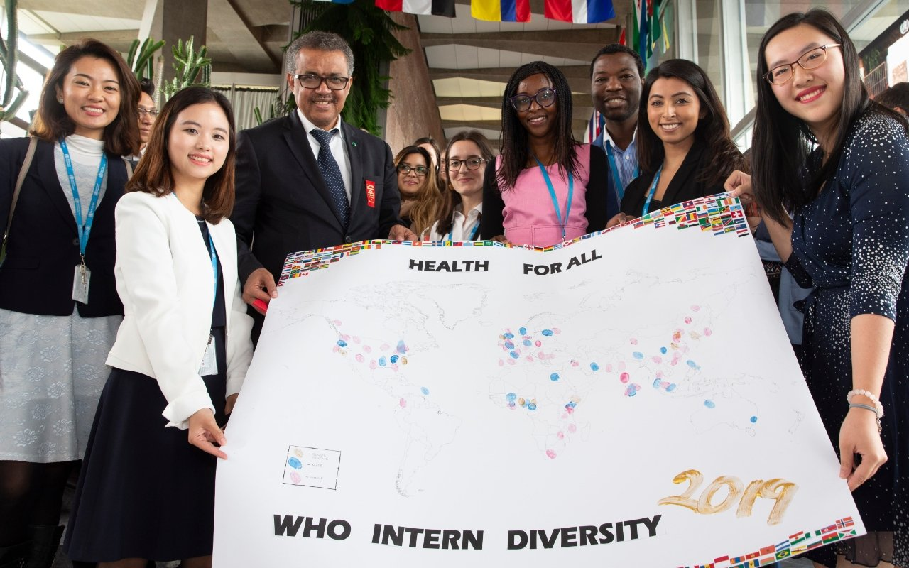 WHO Director-General and cadre of interns at WHO HQ, 2019.